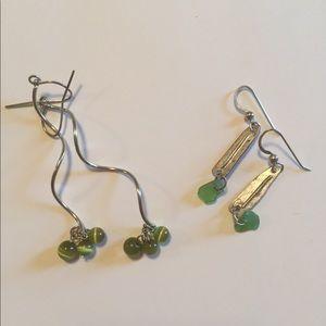 2 sets silver earrings